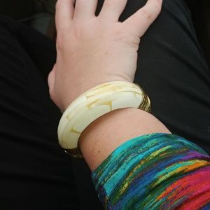 VINTAGE chunky bangle